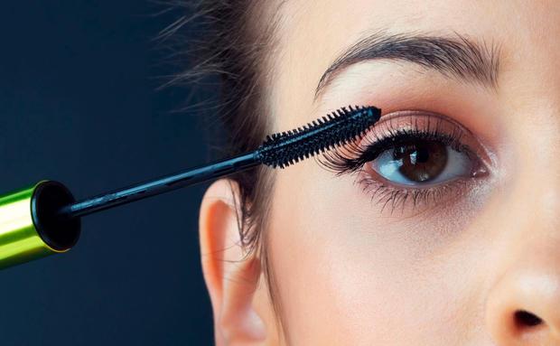 7 Tricks Wie Du Deine Augen Grosser Schminkst Woman At