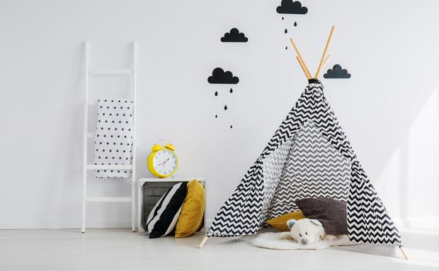 DIY: Bastelanleitung für wunderschöne Kinder-Tipis • WOMAN.AT