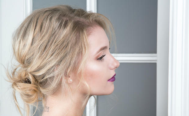 So Gelingt Dir Der Messy Bun Ein Step By Step Tutorial Woman At
