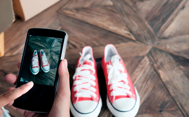22e20d09f13ec4 Google Lens  Kleidung fotografieren und nachshoppen • WOMAN.AT