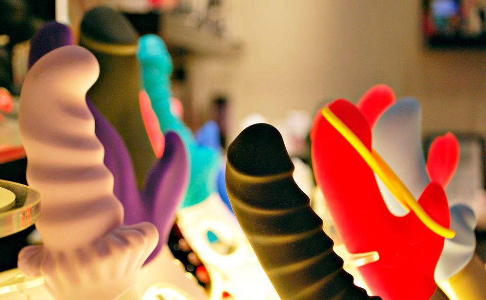 Sexspielzeug oft mit Schadstoffen belastet \u2022 WOMAN.AT