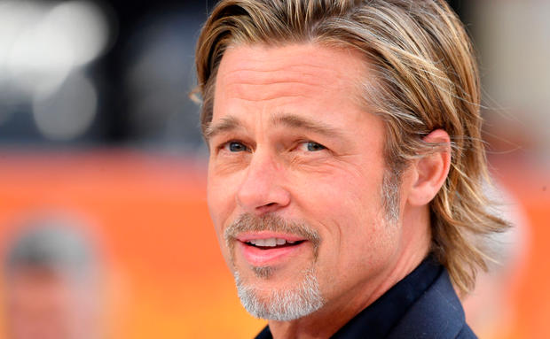 "Lena Dunham küsste Brad Pitt bei der ""Once Upon a Time in Hollywood""-Premiere - und es war awkward"