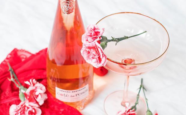 Wem valentinstag wer schenkt Valentinstag wer