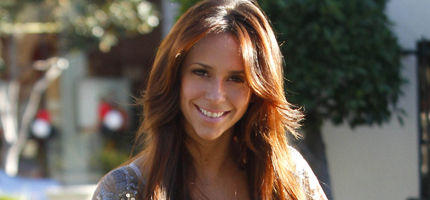 Jennifer Love Hewitt, Pole Dancing - Jennifer Love Hewitt tanzt an der Stange