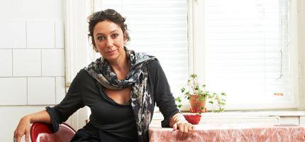 Ursula Strauss: Ihr erstes Kochbuch • WOMAN.AT
