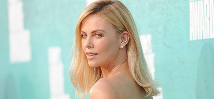 Charlize Theron: Ihr Glamour-Look