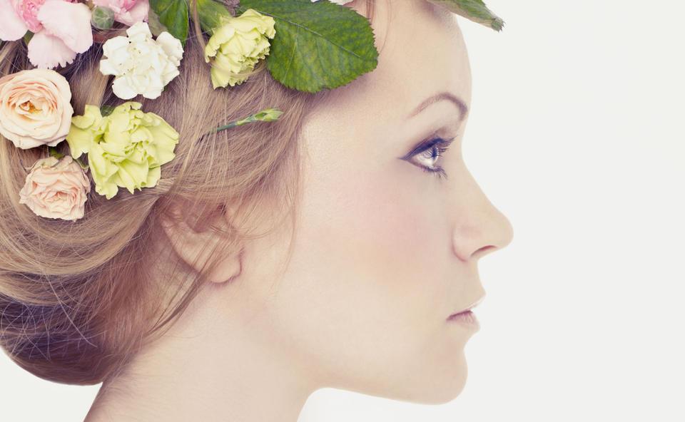 blumen haare maedchen frau makeup pastell