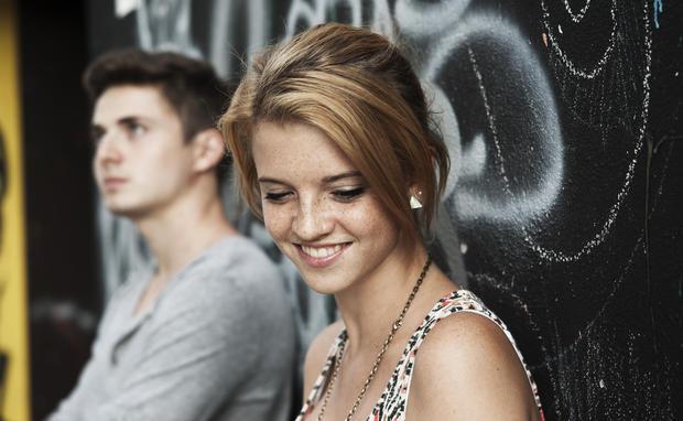 Männer schüchtern flirten