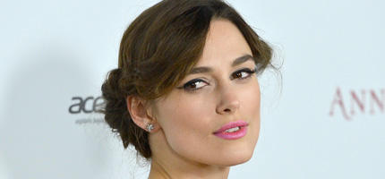 keira knightley spielt coco chanel woman at. Black Bedroom Furniture Sets. Home Design Ideas