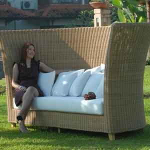 gartenm bel die lust auf sommer machen woman at. Black Bedroom Furniture Sets. Home Design Ideas