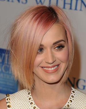 Katy Perry Zeigt 4 Neue Varianten Der Bob Frisur Womanat