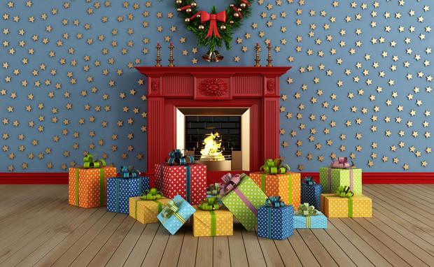 weihnachten pr sente die helfen woman at. Black Bedroom Furniture Sets. Home Design Ideas