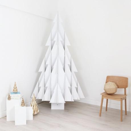 weihnachtsbaum aus karton woman at. Black Bedroom Furniture Sets. Home Design Ideas