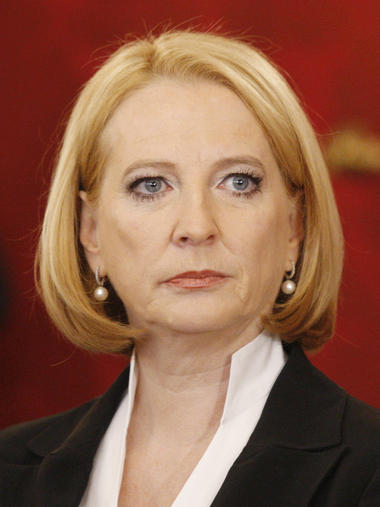 Doris Bures, 51, Verkehrs- und Strukturministerin, SP - frauen-regierung