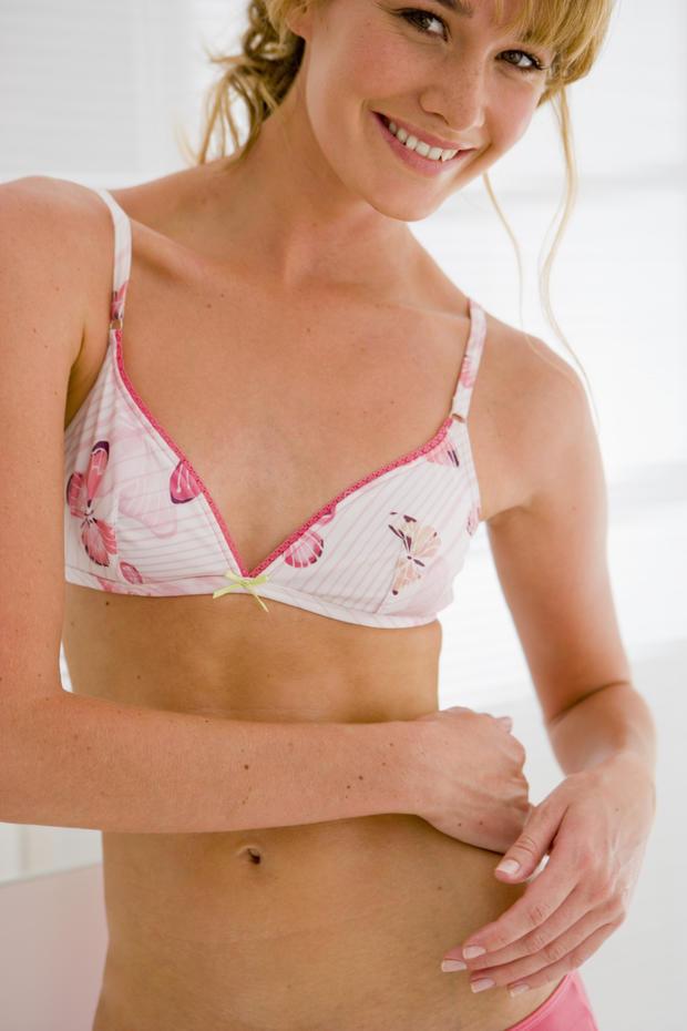 Die Vor- und Nachteile kleiner Brüste • WOMAN.AT