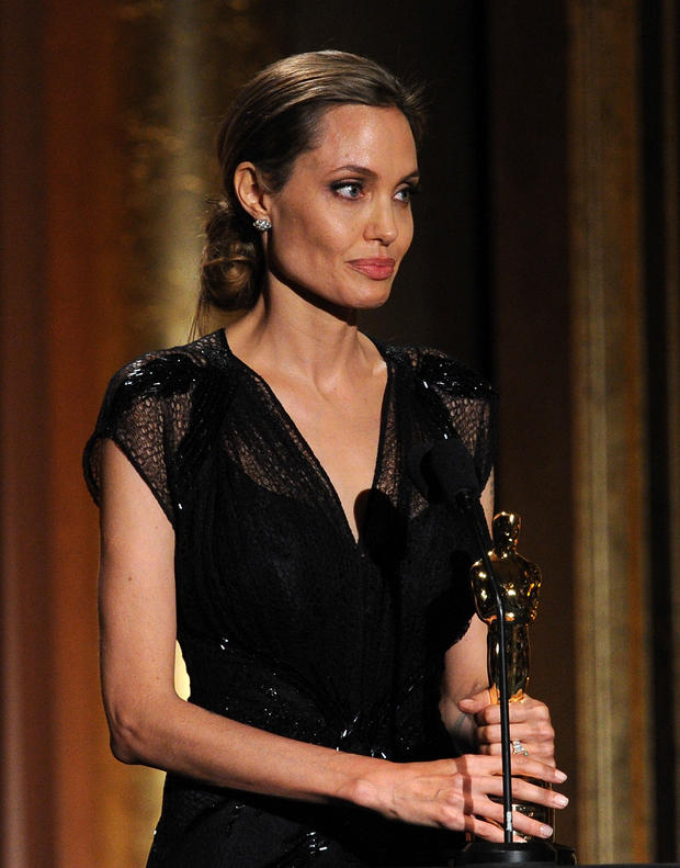 angelina jolie magers chtig woman at. Black Bedroom Furniture Sets. Home Design Ideas