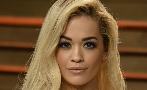 Rita liebt knalliges Make-up
