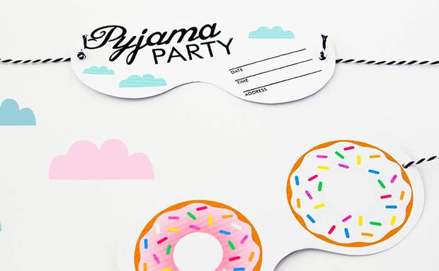Fröhliche Pyjama-Party-Einladungen zum Ausdrucken • WOMAN.AT