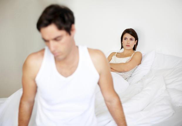 Männer mit großem Penis werden öfter betrogen • WOMAN.AT