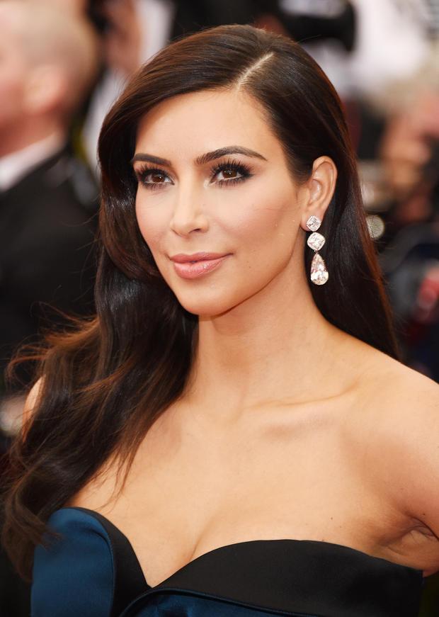 Themen: Hollywood, Kim Kardashian - kim-kardashian-hochzeitskleid
