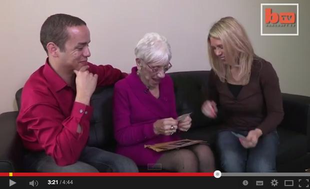 31-jähriger Kerl aus einer 91-jährigen Frau