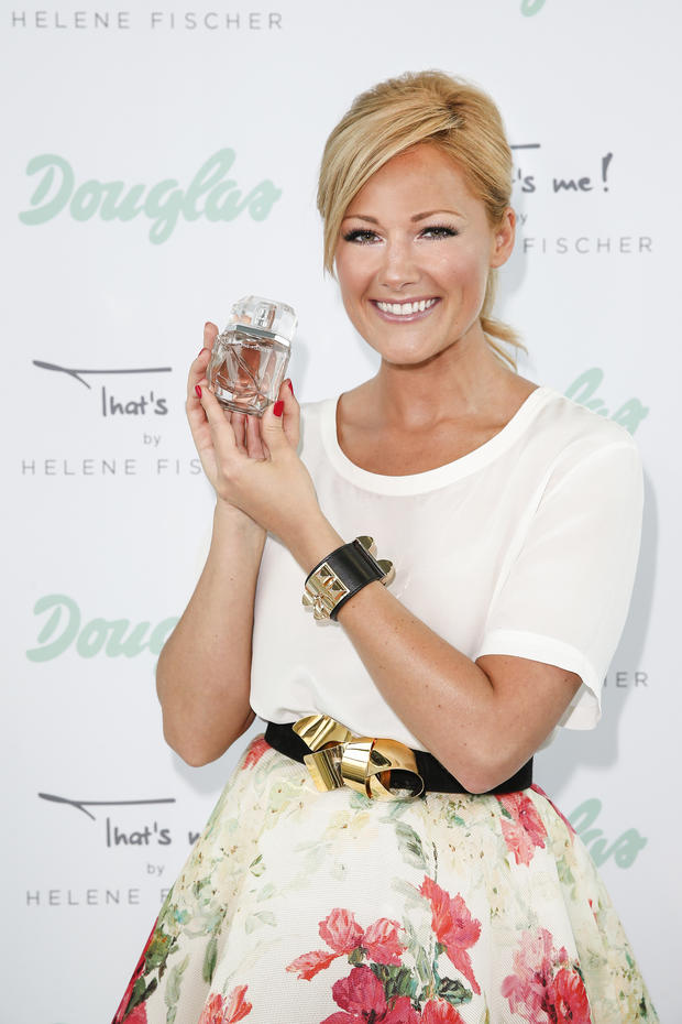 helene fischer 39 s parfum that 39 s me woman at. Black Bedroom Furniture Sets. Home Design Ideas