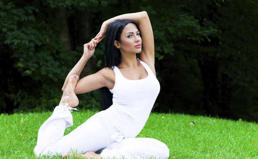 Yoga-Übungen für besseren Sex • WOMAN.AT