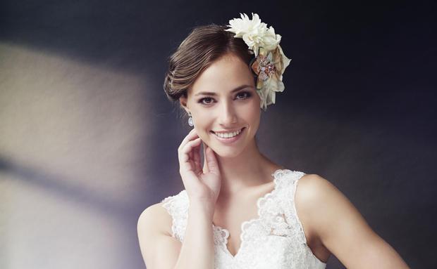 Hochzeit Adressen Von Friseuren Visagisten Woman At