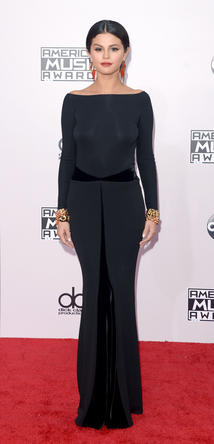Shop the AMAs-Look