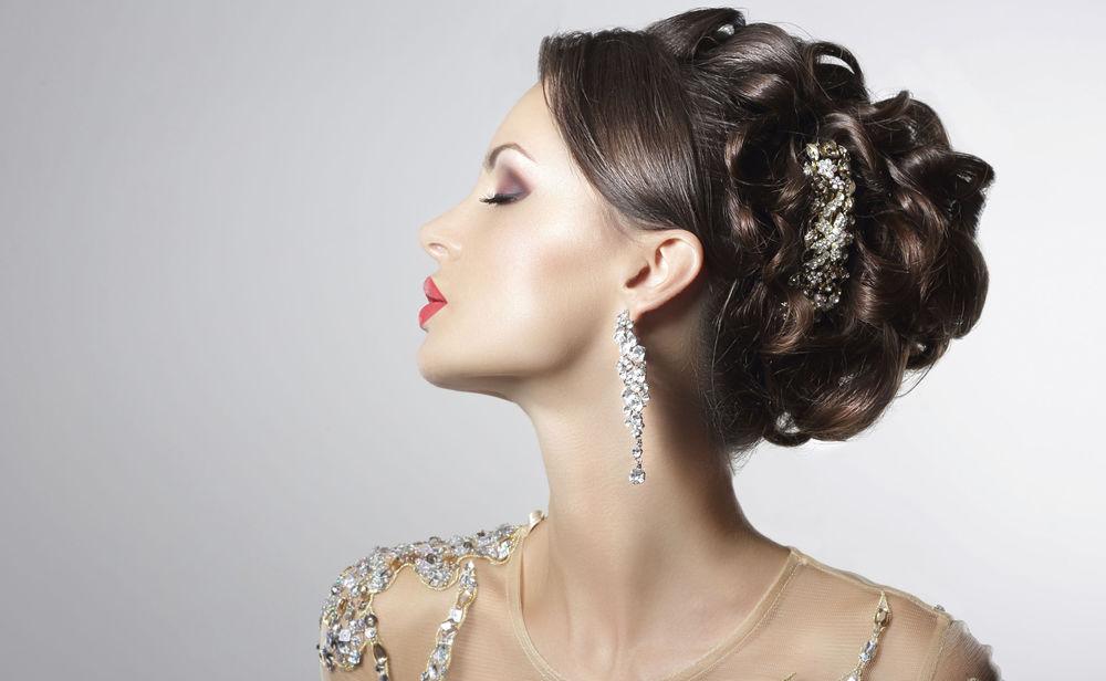 Voluminöse Ballfrisur Für Kurze Haare Woman Tv Womanat