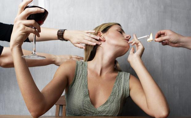 frauen rauchen gerne