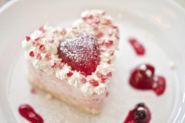 Valentinstagsrezept: Erdbeercremetörtchen • WOMAN.AT