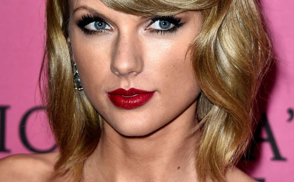 Stehen Männer auf roten Lippenstift? • WOMAN.AT