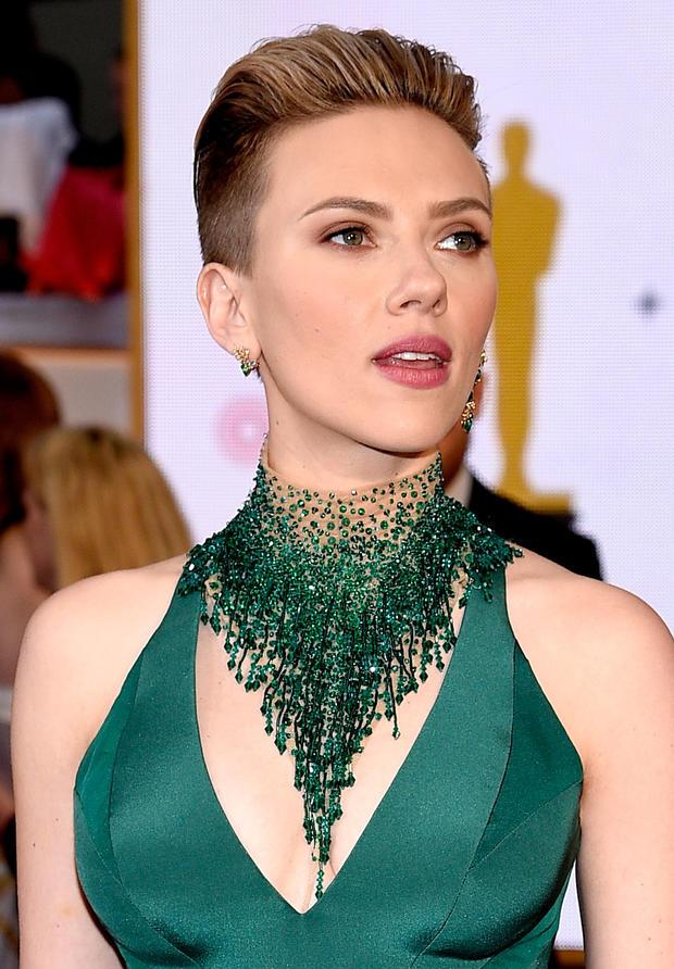 Neue Frisur Scarlett Johansson Wie Schnell Wachsen Haare