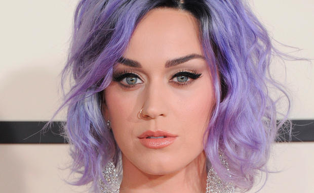 Katy Perry lila Haare
