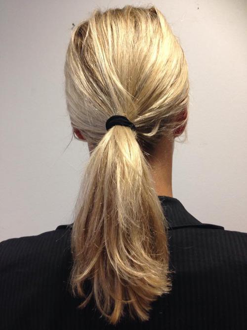 Die Masken für das fettige Haar beim Haarausfall