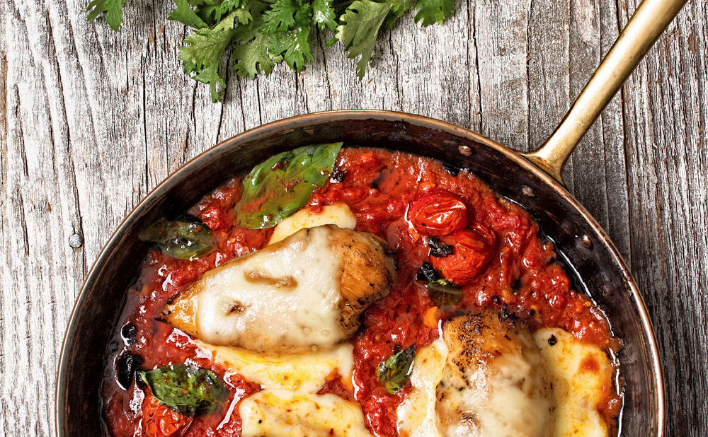 rezept mozzarella h hnchen in basilikum tomaten sauce woman at. Black Bedroom Furniture Sets. Home Design Ideas