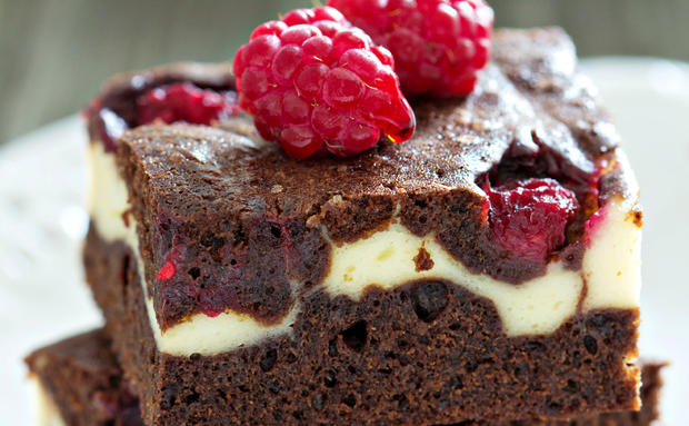 rezept cheesecake brownies mit himbeeren woman at. Black Bedroom Furniture Sets. Home Design Ideas