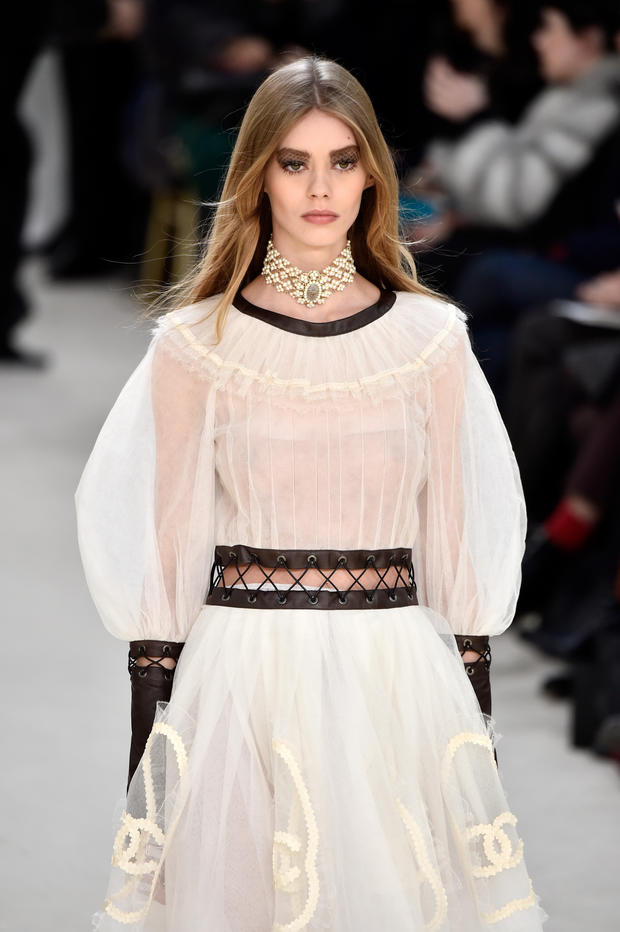 Paris Fashion Week: Chanel Herbst/ Winter 2016