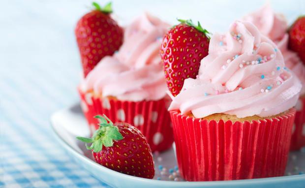 Strawberry Mascarpone Cake