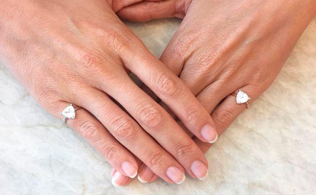 warum wir ab jetzt alle einen ring am kleinen finger. Black Bedroom Furniture Sets. Home Design Ideas