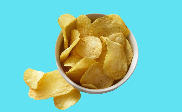 Sind Chips Ungesund Woman At