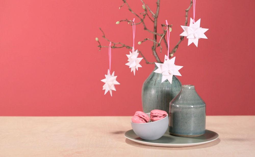selber basteln weihnachtsstern f r den christbaum woman at. Black Bedroom Furniture Sets. Home Design Ideas