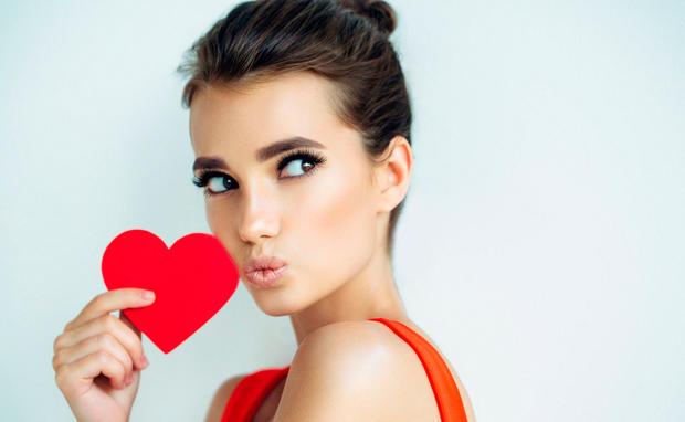 7 Lustige Dinge Die Singles Am Valentinstag Machen Sollten Woman At