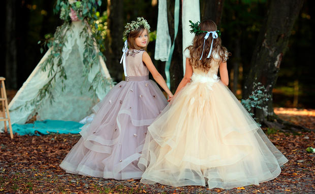 Hochzeit: Kleider für die Blumenkinder • WOMAN.AT