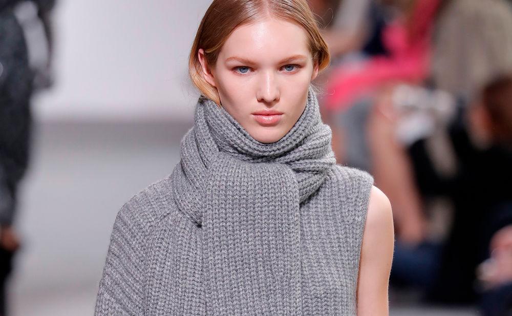 new york fashion week michael kors wir wollen deine schals. Black Bedroom Furniture Sets. Home Design Ideas