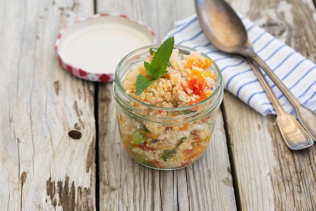 Rezept Saftiger Couscous Salat Zum Mitnehmen In Die Arbeit Womanat
