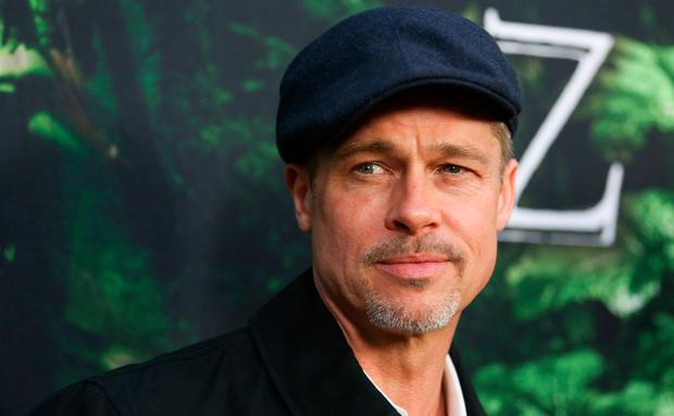 Nicht mehr allein zu Hause! | Bei Brad Pitt ist eine Frau eingezogen