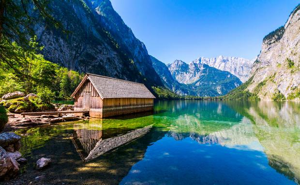 Urlaub am see die sch nsten airbnb unterk nfte woman at for Ferien am see