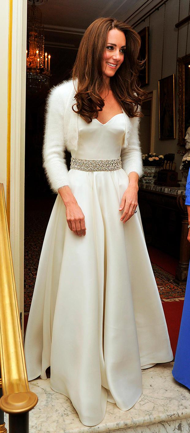 Das 2. Kleid, das Herzogin Kate bei ihrer Hochzeit trug • WOMAN.AT